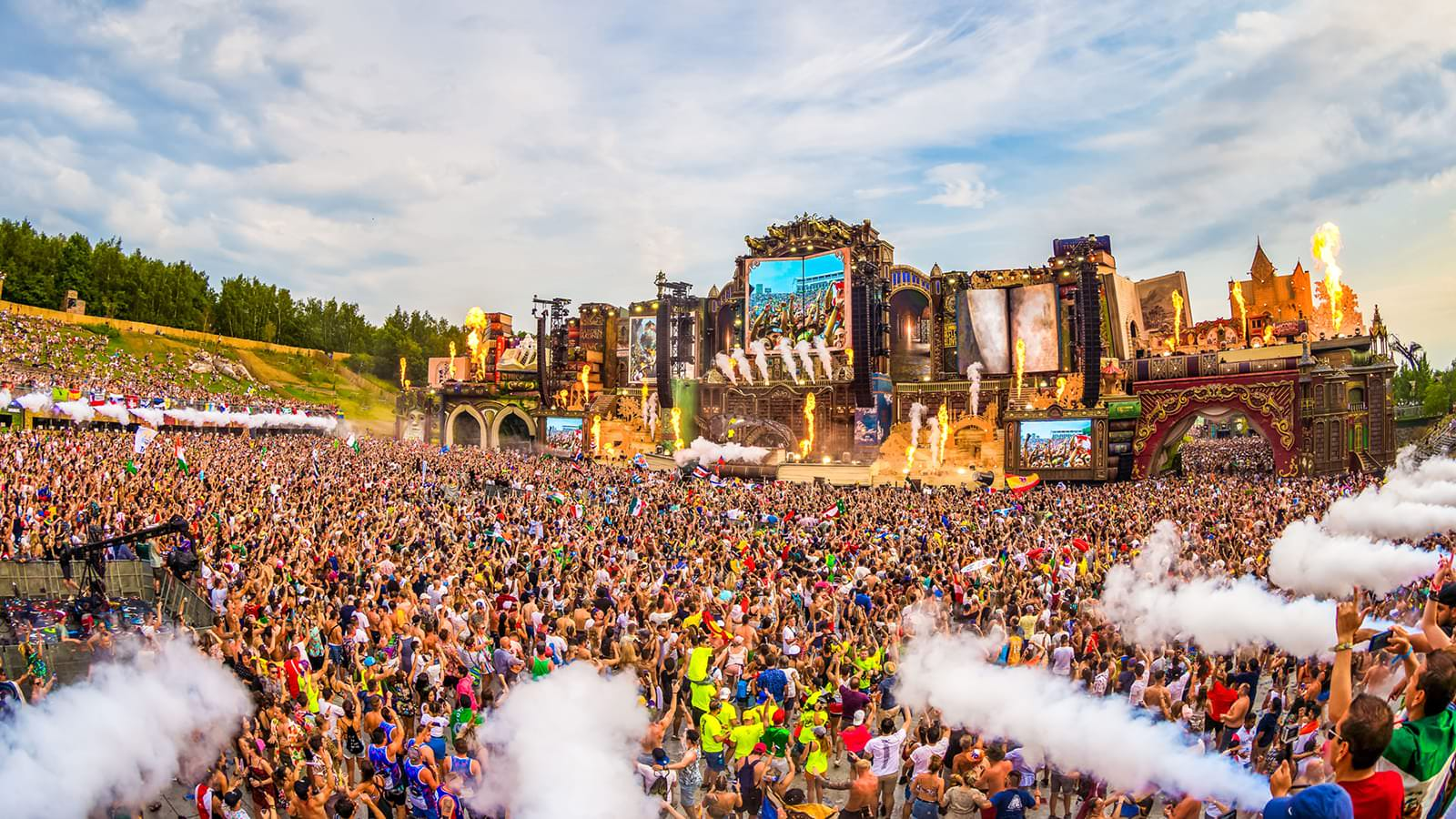 Tomorrowland 1 años