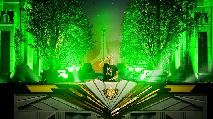 Armin van Buuren Tomorrowland Around the World